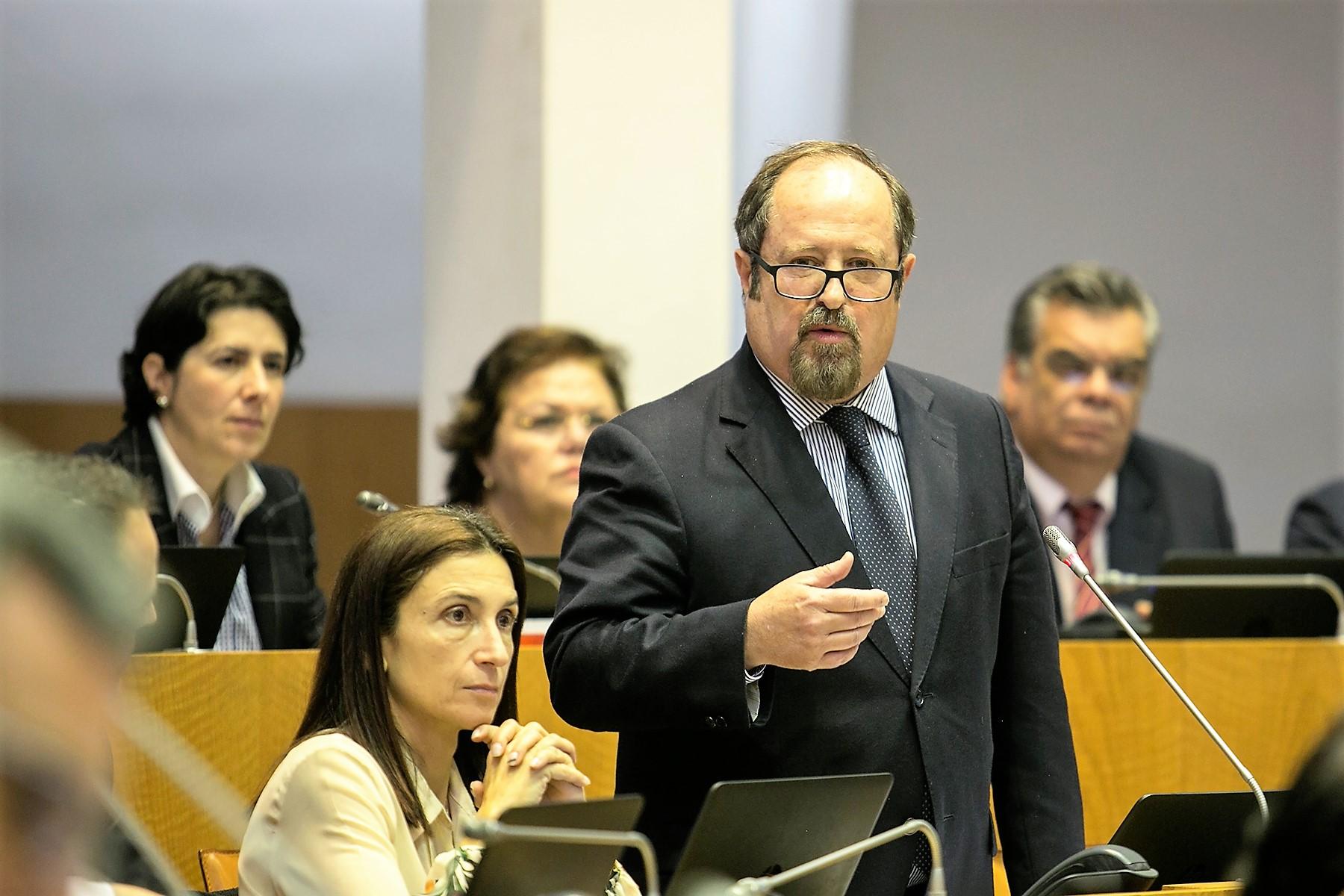 """Governo dos Açores tem """"estratégia clara para o Mar"""" e não vai abdicar dos direitos da Região, diz José Contente"""