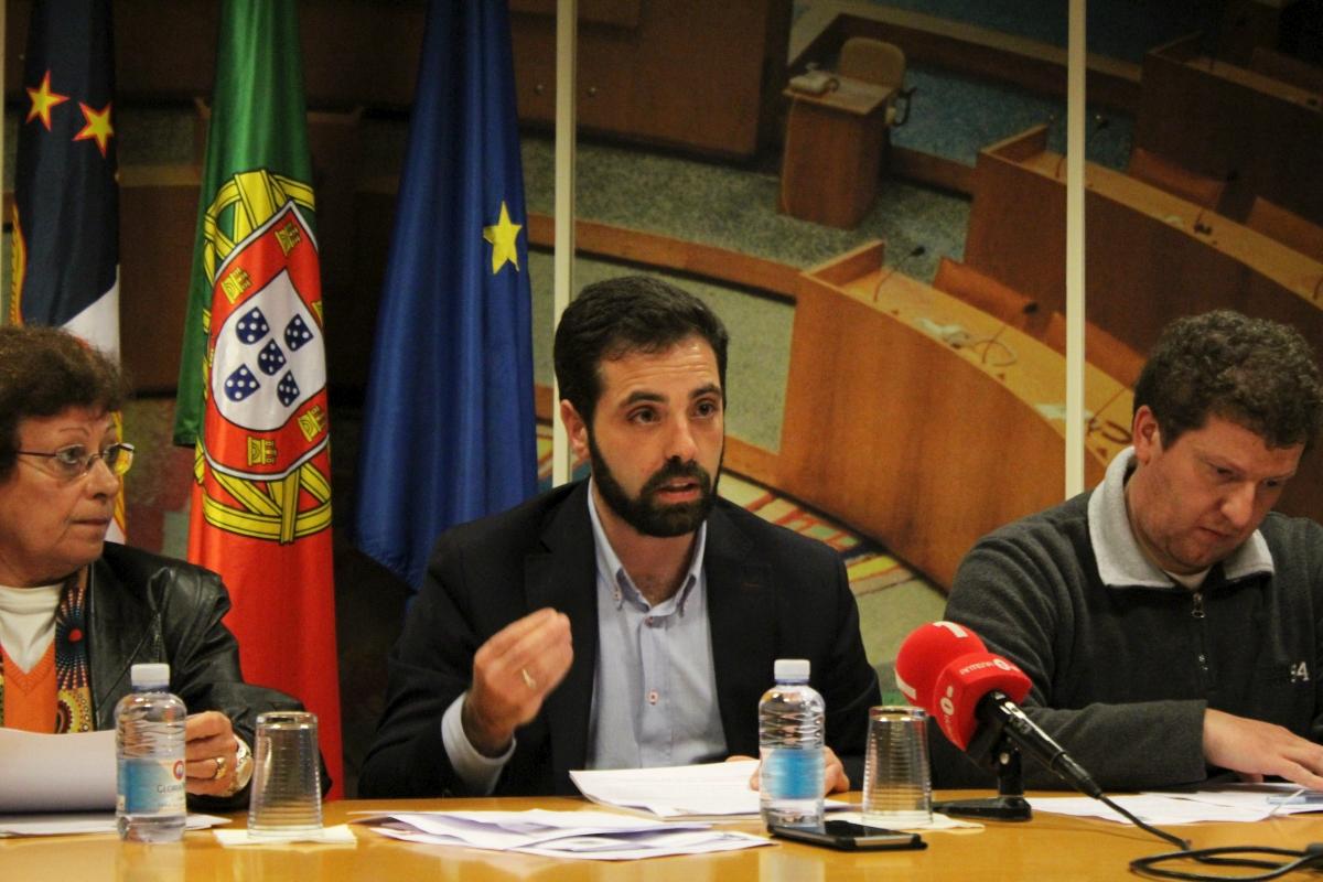 PCP propõe auditoria à precariedade na administração regional e abertura de concursos