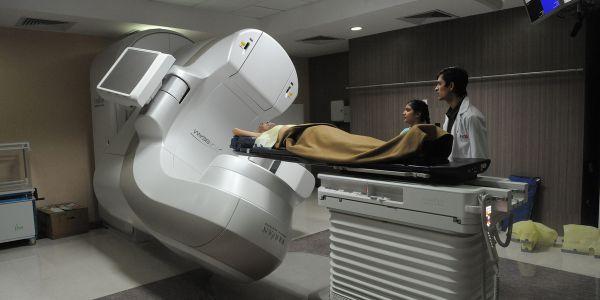 Licenciamento do centro de radioterapia na Terceira deve estar concluído dentro de um mês, anuncia Rui Luís