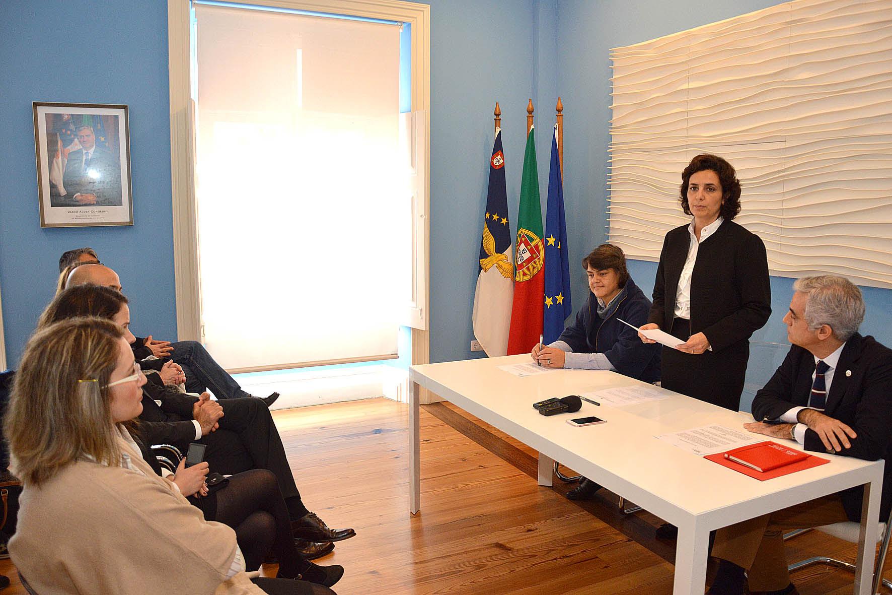 Dia Internacional da Mulher assinalado com cedência de imóvel à APAV Açores