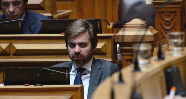 CDS quer saber se Estado já pagou encaminhamentos à SATA e quanto já reembolsou aos passageiros em subsídio social de mobilidade