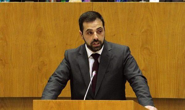 Deputado do PCP critica falta de humildade democrática do Governo Regional do PS