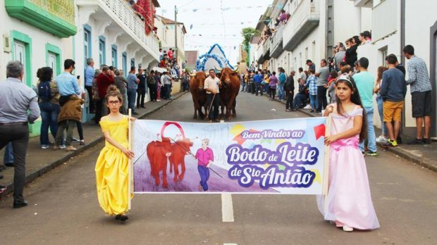 Tradicional Bodo de Leite de Santo Antão continua a chamar à freguesia pessoas de toda a ilha (c/áudio)