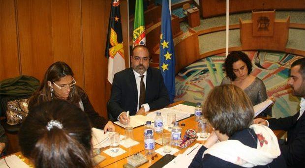Recuperação das listas de espera, promoção da saúde, formação profissional e infraestruturas são prioridades em 2018, afirma Rui Luís