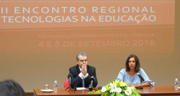 Governo dos Açores vai investir 60 mil euros em equipamentos informáticos para as escolas, afirma Avelino Meneses
