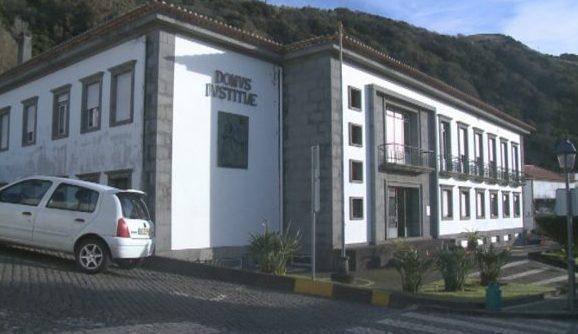 Detidos dois homens por rapto e roubo em São Jorge