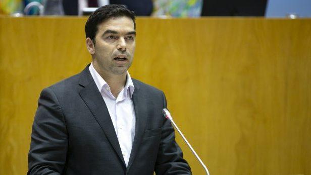 PS/Açores apresenta pacote legislativo com o objetivo de reduzir consumo de plástico e de promover a eficiência energética na Administração Pública
