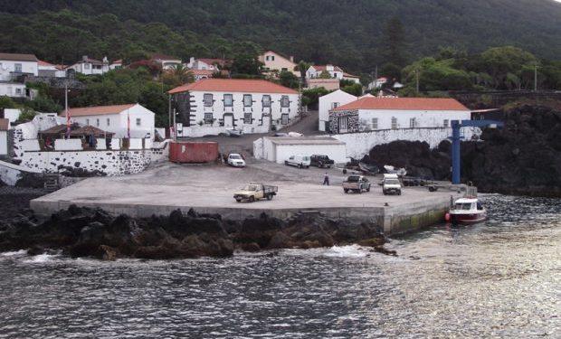 Assembleia Municipal das Velas aprova voto de protesto ao Governo Regional pelo estado das gruas dos portos e portinhos do concelho das Velas (c/áudio)