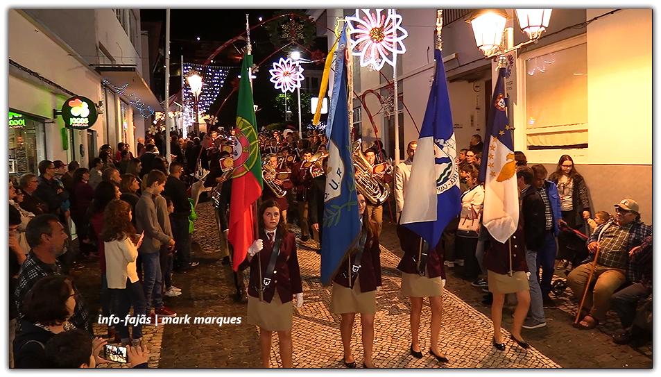 Natal já chegou à Vila das Velas- Tradicional Dia de Montras trouxe gente de toda a ilha à sede do concelho (c/áudio)