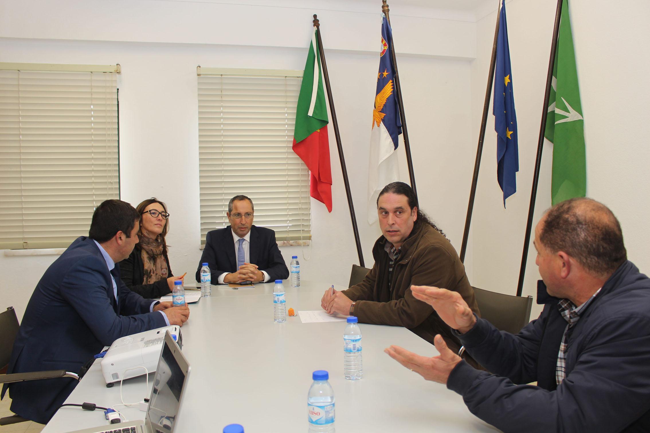 Recuperação financeira das cooperativas em São Jorge gera confiança no futuro do setor agrícola, afirma João Ponte