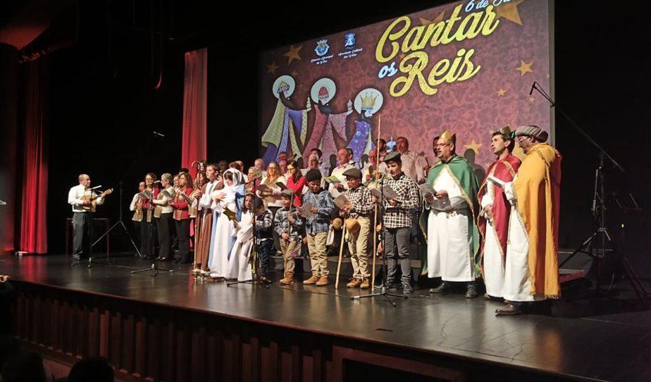 Mais um ano de casa cheia para ouvir Cantar os Reis – tradição mantém-se viva no concelho das Velas (c/áudio)