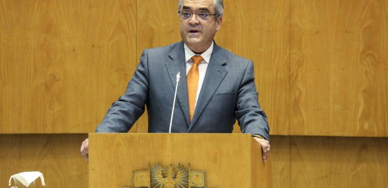 Na primeira intervenção na ALRAA enquanto deputado do PSD, Paulo Silveira elencou necessidades da ilha de S.Jorge a vários níveis (c/áudio)