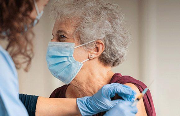Vacinação dos mais idosos com terceira dose arranca esta semana