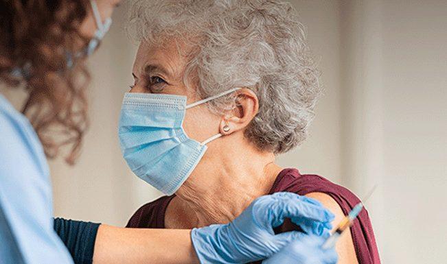 """Primeira fase da vacinação """"praticamente concluída"""" nos Açores"""
