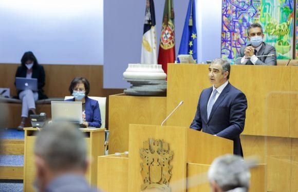 """Presidente do Governo presta contas ao Parlamento e apresenta """"concretizações mais enfáticas"""" do Executivo"""