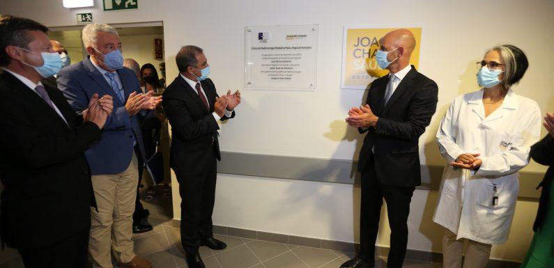 Saúde é prioridade e Unidade de Radioterapia na Terceira traz maior dignidade ao doente, diz Presidente do Governo